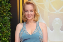 Wendi McLendon-Covey on the Red Carpet at the 2015 Creative Arts Emmys.