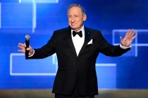Mel Brooks presents an award at the Creative Arts Emmy Awards 2015.