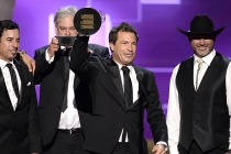 The team from Deadliest Catch accepts their award at the 2015 Creative Arts Emmys.