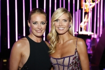 Cat Deeley and Heidi Klum backstage at the 2015 Creative Arts Emmys.