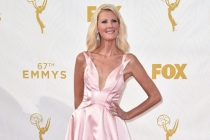 Sandra Lee on the red carpet at the 67th Emmy Awards.
