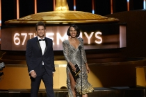 Rob Lowe and Kerry Washington at the 67th Emmy Awards.