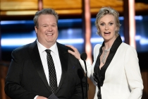 Eric Stonestreet and Jane Lynch at the 67th Emmy Awards.
