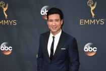 Mario Lopez on the red carpet at the 2016 Primetime Emmys.