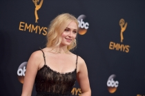 Sophie Turner on the red carpet at the 2016 Primetime Emmys.