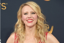 Kate McKinnon on the red carpet at the 2016 Primetime Emmys.