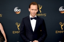 Tom Hiddleston on the red carpet at the 2016 Primetime Emmys.