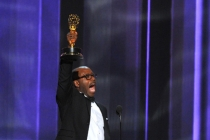 Courtney B. Vance accepts his award at the 2016 Primetime Emmys.