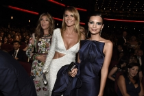 Nina Garcia, Heidi Klum, and Emily Ratajkowski at the 2016 Primetime Emmys.