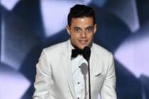 Rami Malek accepts his award at the 2016 Primetime Emmys.