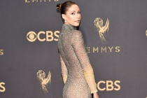 Amanda Crew on the red carpet at the 2017 Primetime Emmys.