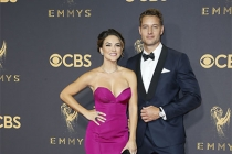 Chrishell Stause and Justin Hartley on the red carpet at the 2017 Primetime Emmys.