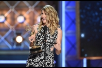 Laura Dern accepts her award at the 2017 Primetime Emmys.