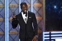 Sterling K. Brown accepts an award at the 2017 Primetime Emmys.